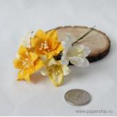 Цветы бумажные мальбери ЛИЛИИ ЖЕЛТЫЕ МИКС 4см