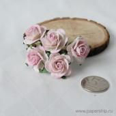 Цветы бумажные мальбери РОЗЫ БЕЛО-РОЗОВЫЕ 2,5см 5шт