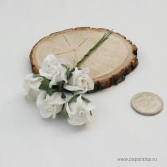 Цветы бумажные мальбери БУТОНЫ РОЗ ПОЛУОТКРЫТЫЕ БЕЛЫЕ 2см 5шт